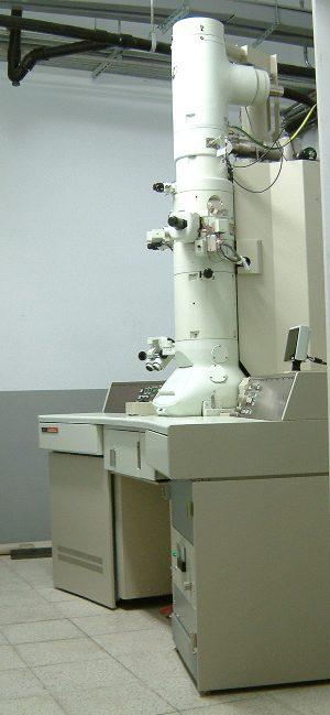 儀器-穿透式電子顯微鏡(TEM)
